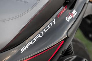 aprilia sportcity 300