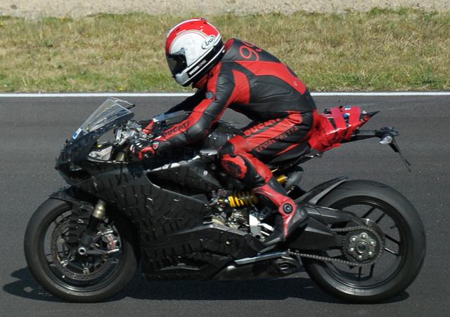 ducati superbike 2012 modellnews. Black Bedroom Furniture Sets. Home Design Ideas