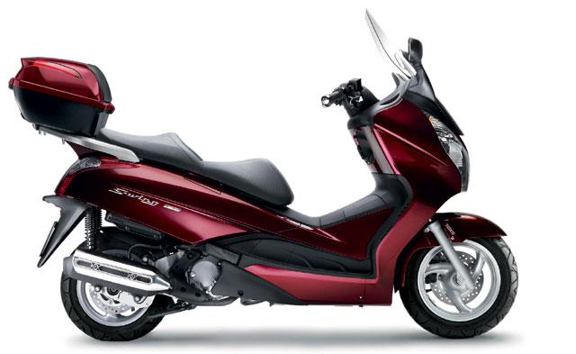 Honda Roller mit Koffer