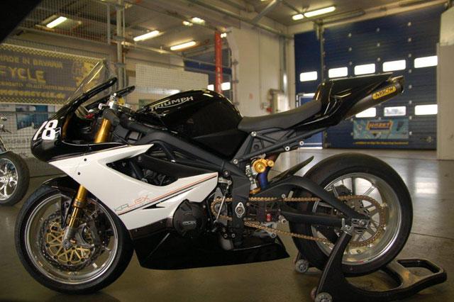 VDMT-Kalex-Triumph675-09-2010-swelte-0008.jpg