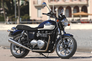 Triumph Bonneville Test by Christoph Lentsch