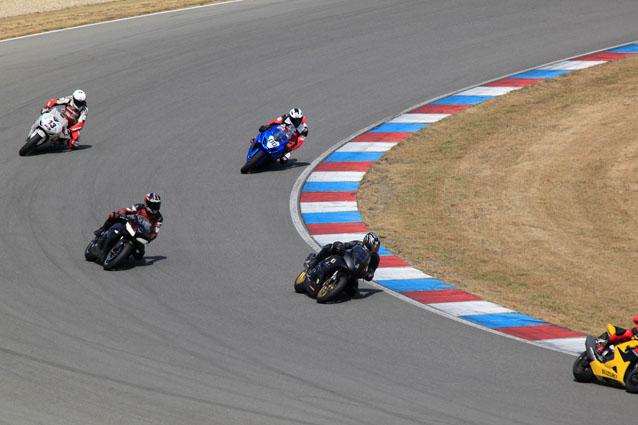 http://www.motorrad-testbericht.at/magazin/veranstaltungen/gripparty/2013/br%C3%BCnn/Gruppe_Rot_Gripparty_Br%C3%BCnn_Juli_2013-168.jpg